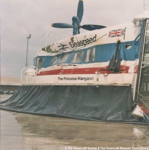 damage to SRN4 hovercraft